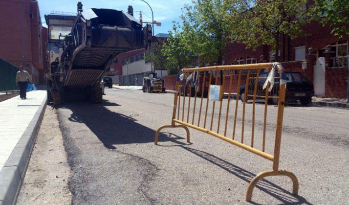 Máquina para asfaltado en la ciudad./SN