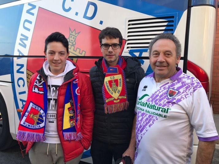 Aficionados rojillos en Tarragona. @NASTICTARRAGONA