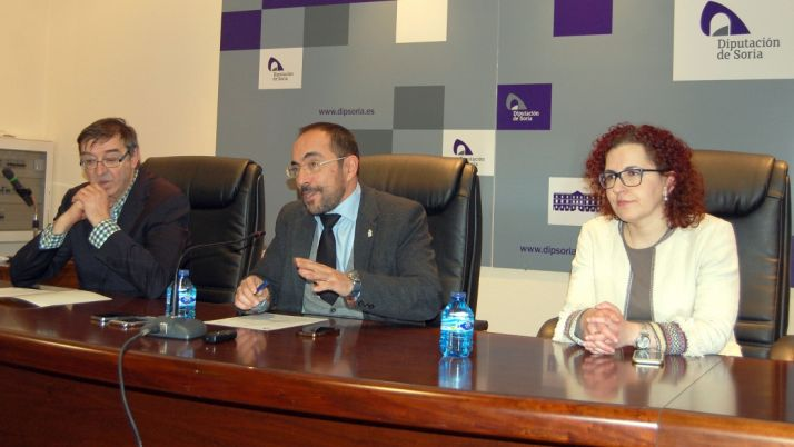 Moreno (izda.), Rey y Martínez este lunes. /Dip.