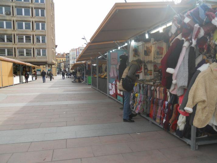 Foto 1 - Feria de artesanía en el Espolón hasta el 12 de marzo