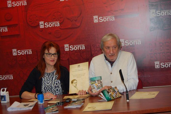 Ana María Calvo y Jesús Bárez en la presentación. Ayto
