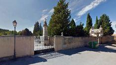 Entrada al cementerio de El Burgo.