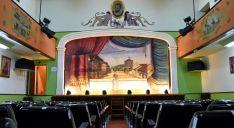 Imagen de la sala y el escenario. /Jta.