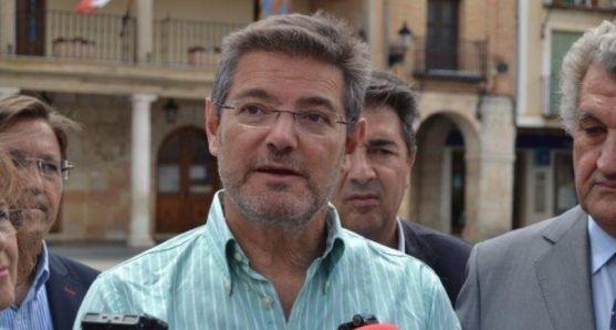 Rafael Catalá en una visita a El Burgo. /SN