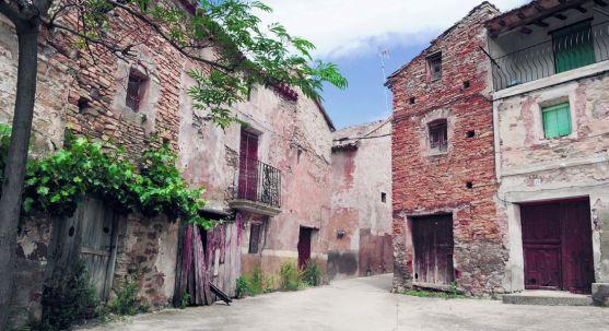 Imagen de una calle en una localidad de Tierras Altas. /SN