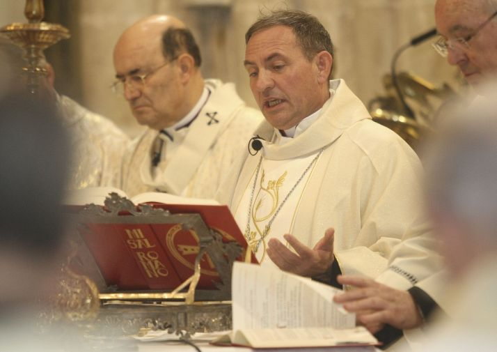 Foto 1 - Primera misa de Mons. Abilio en Soria