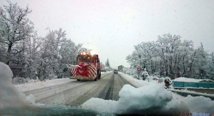 Imagen de archivo de una carretera nevada en la provincia. /SN