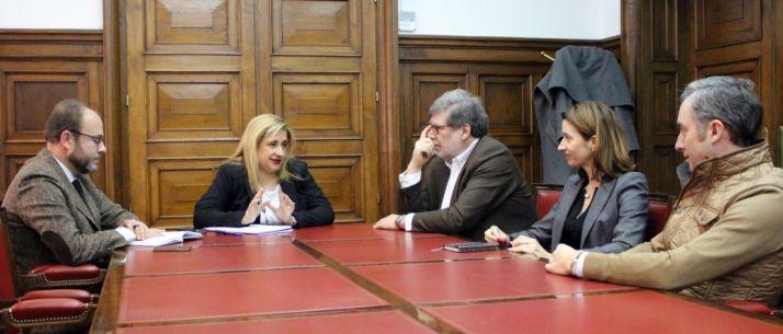 Imagen de la reunión este lunes. /Subdelegación