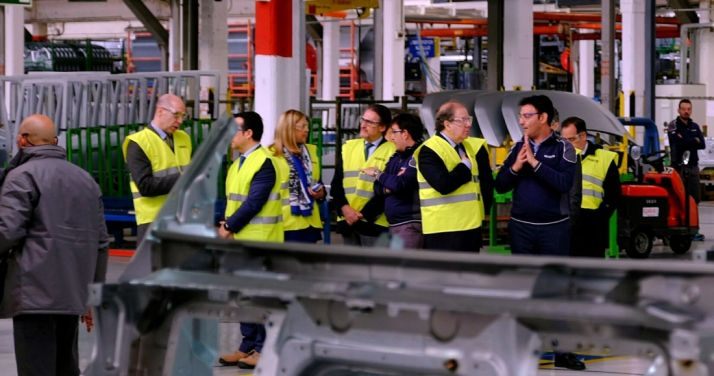 Visita institucional de la Junta a la factoría de Iveco en Valladolid./Jta.