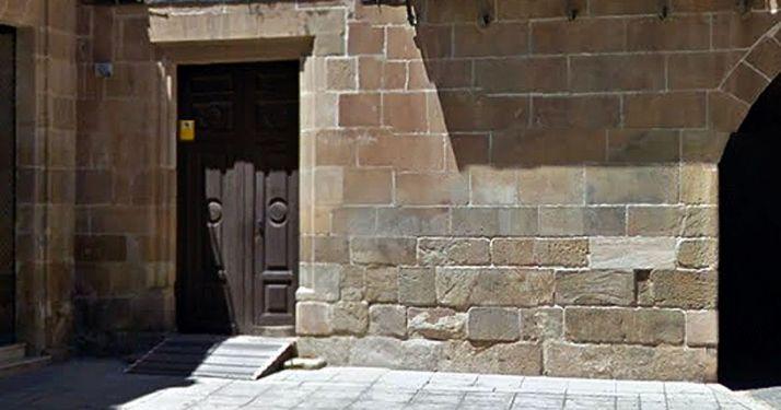Imagen de la entrada al Registro Civil, en el Palacio de los Condes de Gómara./GM