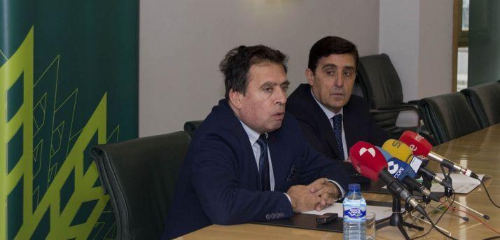 Javier Barrio (izda.) y Carlos Martínez Izquierdo, este lunes. /PL