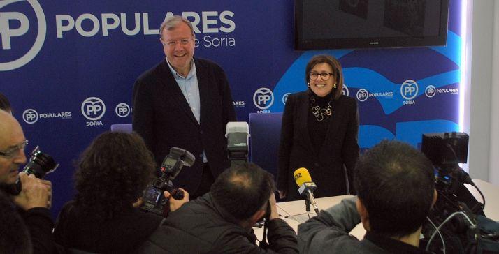 Antonio Silván y Mar Angulo esta tarde en la sede el PP soriano. /SN
