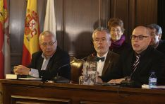 'Sin ir más lejos' y 'Patria' premios de la crítica literaria en lengua castellana