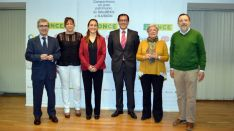 Representantes de los ganadores y de la ONCE.