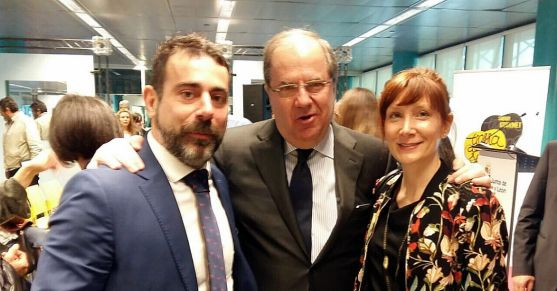 Rodrigo Gonzalo y Natalia Carramiñana de Malvasía con Herrera.