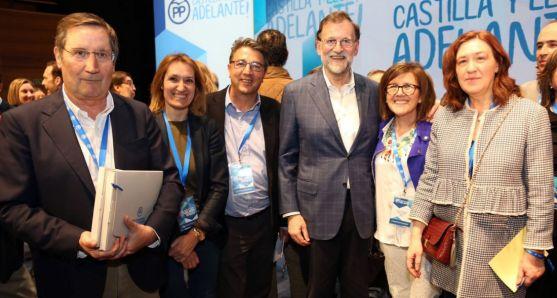 Compromisarios del PP soriano con Mariano Rajoy.