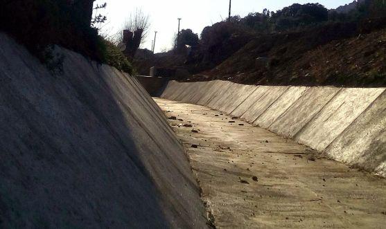 Las obras en el arroyo el pasado día 9, según ASDEN. /ASDEN