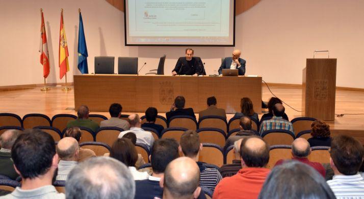 Imagen de la conferencia en la sede de la Delegación. /Jta.