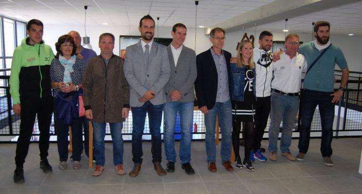 Deportistas y donantes en la apertura./FTCyL