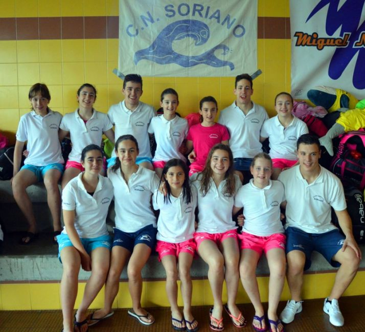 Los nadadores sorianos en Medina.