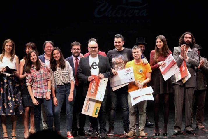Jose y Crisitina de La Chistera junto a los finalistas de 2017.
