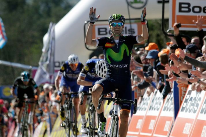 Alejandro Valverde con el maillot de Campeón de España gana la Flecha Valona de 2016