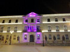 Distintas imágenes que brinda la nueva iluminación del edificio.