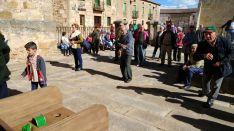 Juegos populares en El Royo, esta tarde. /Dip.