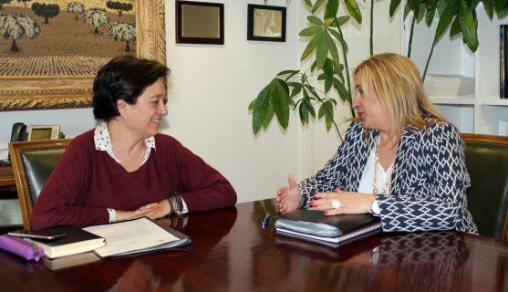 De Gregorio (izda.) con Esperanza Orellana, directora general de Desarrollo Rural.