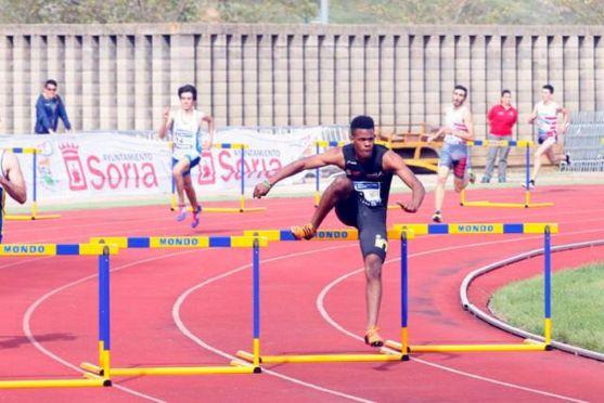 Pineda, en la carrera en la que ha conseguido el récord nacional. /CAEP