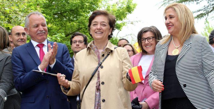 Esperanza Orellana, del MAPAMA, abre la edición de la feria de Almazán junto al alcalde y la subdelegada del Gobierno.