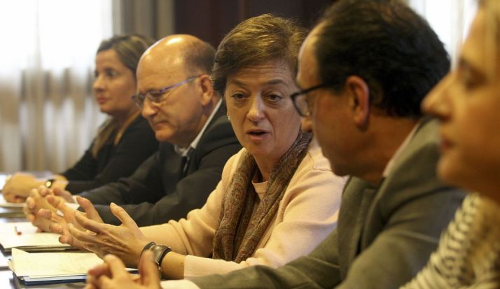 La directora gral. Desarrollo Rural y Política Forestal, junto a López y a Pedro Marín, presidente de ASFOSO (izda.))
