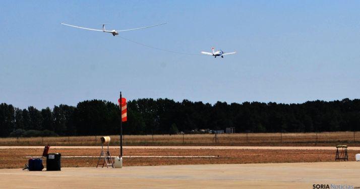 Prácticas de vuelo sin motor en el aeródromo./SN