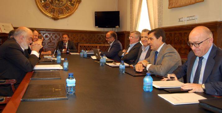 El Consejo de Administración de la empresa este lunes en el Palacio Provincial. /Dip.