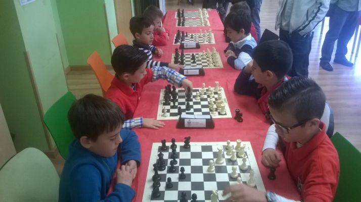 """Foto 1 - Celebrado el V torneo de ajedrez """"Escuela Municipal de Ajedrez"""""""