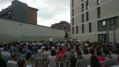 Foto 5 - La Banda cierra con éxito su primer concierto estival