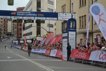 Foto 5 - Fotos: Así ha celebrado Jesús Herrada su victoria en Soria