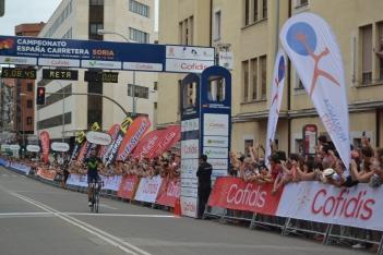 Foto 6 - Fotos: Así ha celebrado Jesús Herrada su victoria en Soria