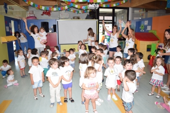 Foto 4 - La Escuela Infantil de Camaretas celebra las fiestas de San Juan