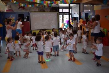 Foto 3 - La Escuela Infantil de Camaretas celebra las fiestas de San Juan
