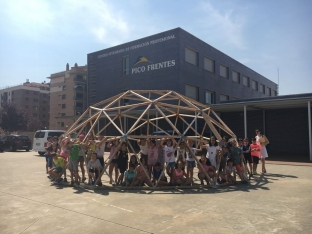 Alumnos de infantil y primaria aprenden los oficios del CIFP Pico Frentes