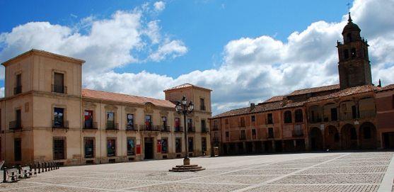 Imagen de la plaza Mayor de Medinaceli.