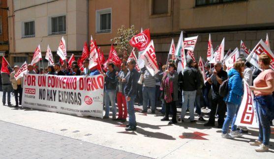 Los sindicatos responsabilizan a la patronal por su postura./SN
