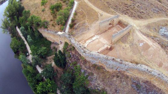 Vista aérea de un tramo de la muralla junto al Duero. /Ayto.