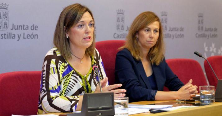 La consejera, Milagros Marcos y Maribel Vidal. /Jta.