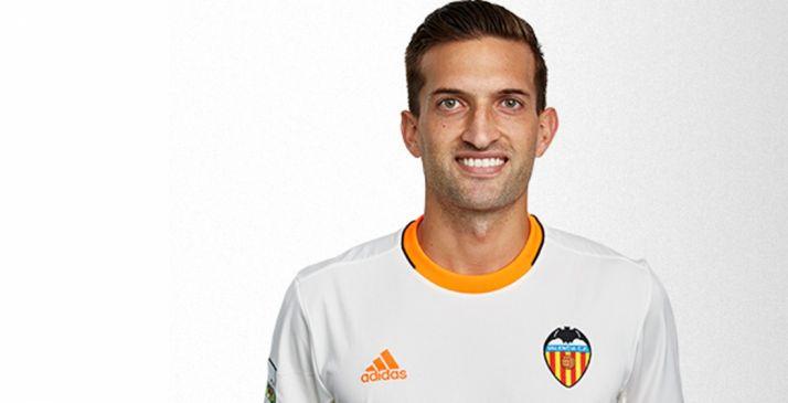 Sierra con la camiseta valencianista./VCF