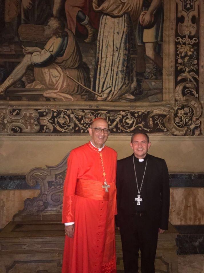 Monseñor Abilio con el cardenal Omella. /Diócesis.