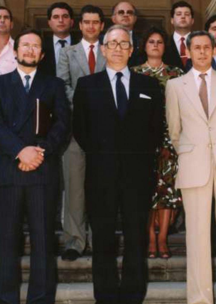 Virgilio Velasco, en el centro.