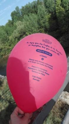 Foto 5 - Globos rojos anuncian las Fiestas de la juventud en Almazán