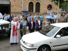 Imágenes de la bendición de vehículos/SN